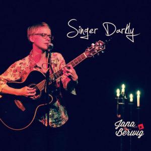 cd_huelle_singer_darkly